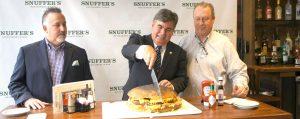 snuffers restaurant dak burger cutting